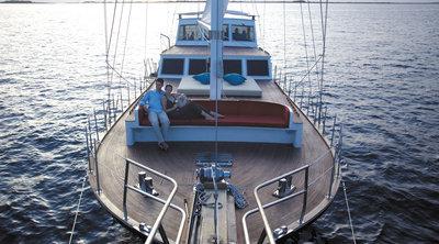 160876 romantic%20boat%20cruise%2c%20shangri la%20maldives%2c%20prestigious%20venues f8c2d7 medium 1427466607