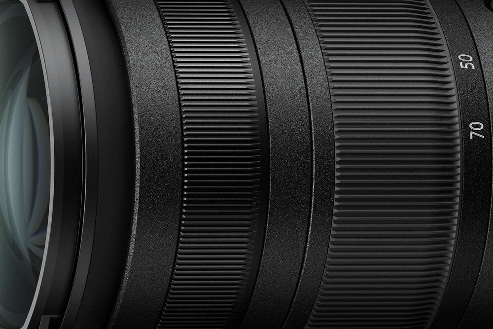 303477 24 70mm f2.8 zoom focus ring 1920x1280 a76f34 large 1550055671
