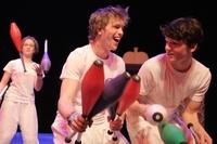 86937 circusrotjeknor opendag jongleren foto joke schot medium 1365665792