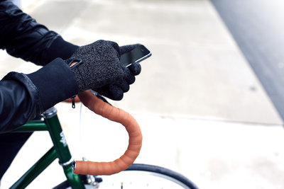 116118 e6b4a752 b53d 4cce 82f8 0846146aa1e1 double layered touchscreen gloves fixed gear 006 medium 1385584316