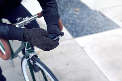 116119 4428763c 6255 43ae ac95 5cec54d8f821 double layered touchscreen gloves fixed gear 003 medium 1385584319