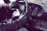 91975-leather-touchscreen-gloves-by-mujjo-img_2690-medium-1365654769