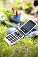 85577 0doro phoneeasy 612 on back on grass 01 medium 1365657997