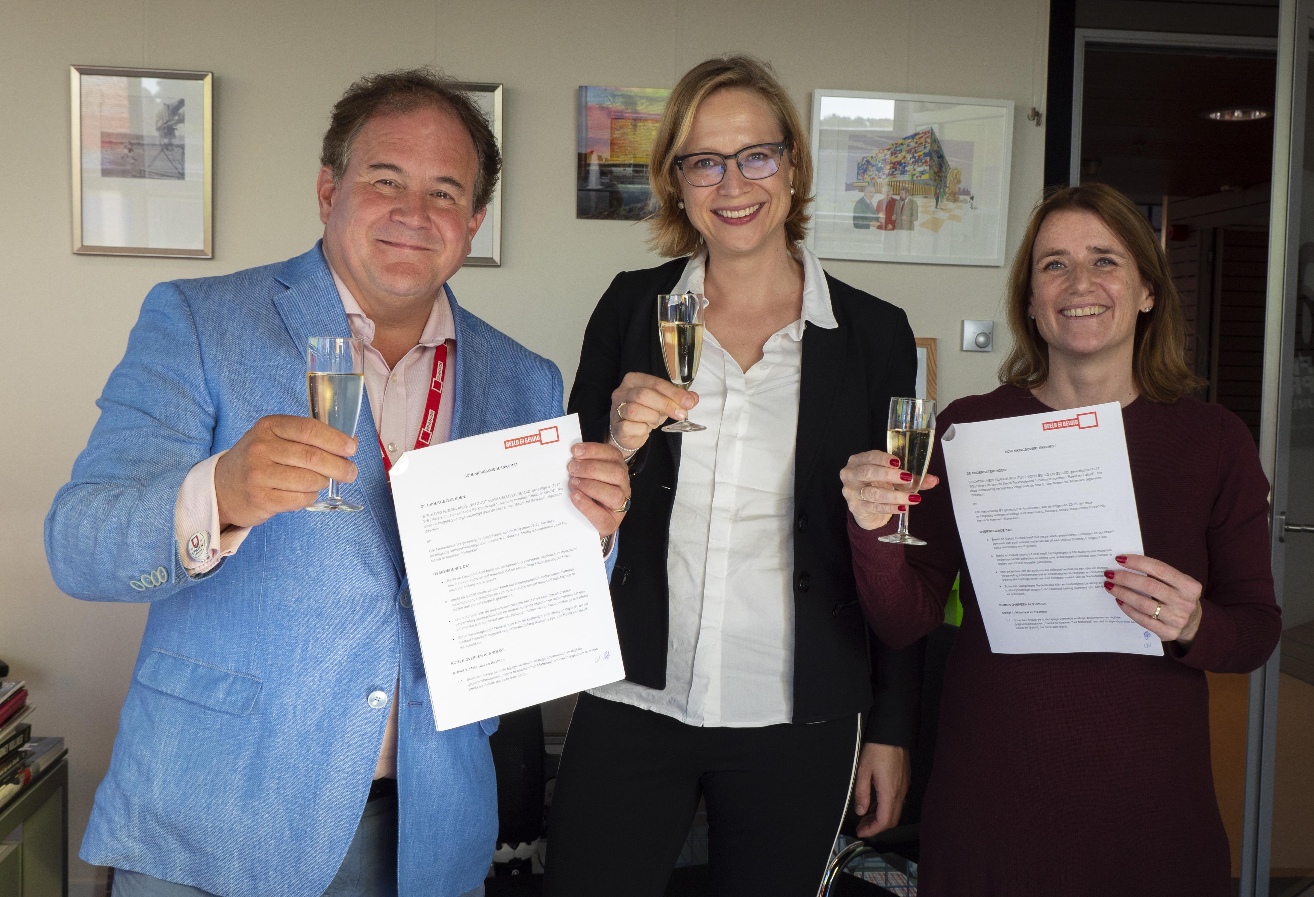 Van links naar rechts Eppo van Nispen tot Sevenaer (Beeld en Geluid), Julia Noordegraaf (UvA) en Liesbeth Nekkers (GfK).jpg