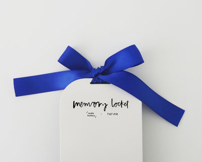 229604 memory%20locket%20packaging%20blue%20white%20background 4e83d8 medium 1479102851