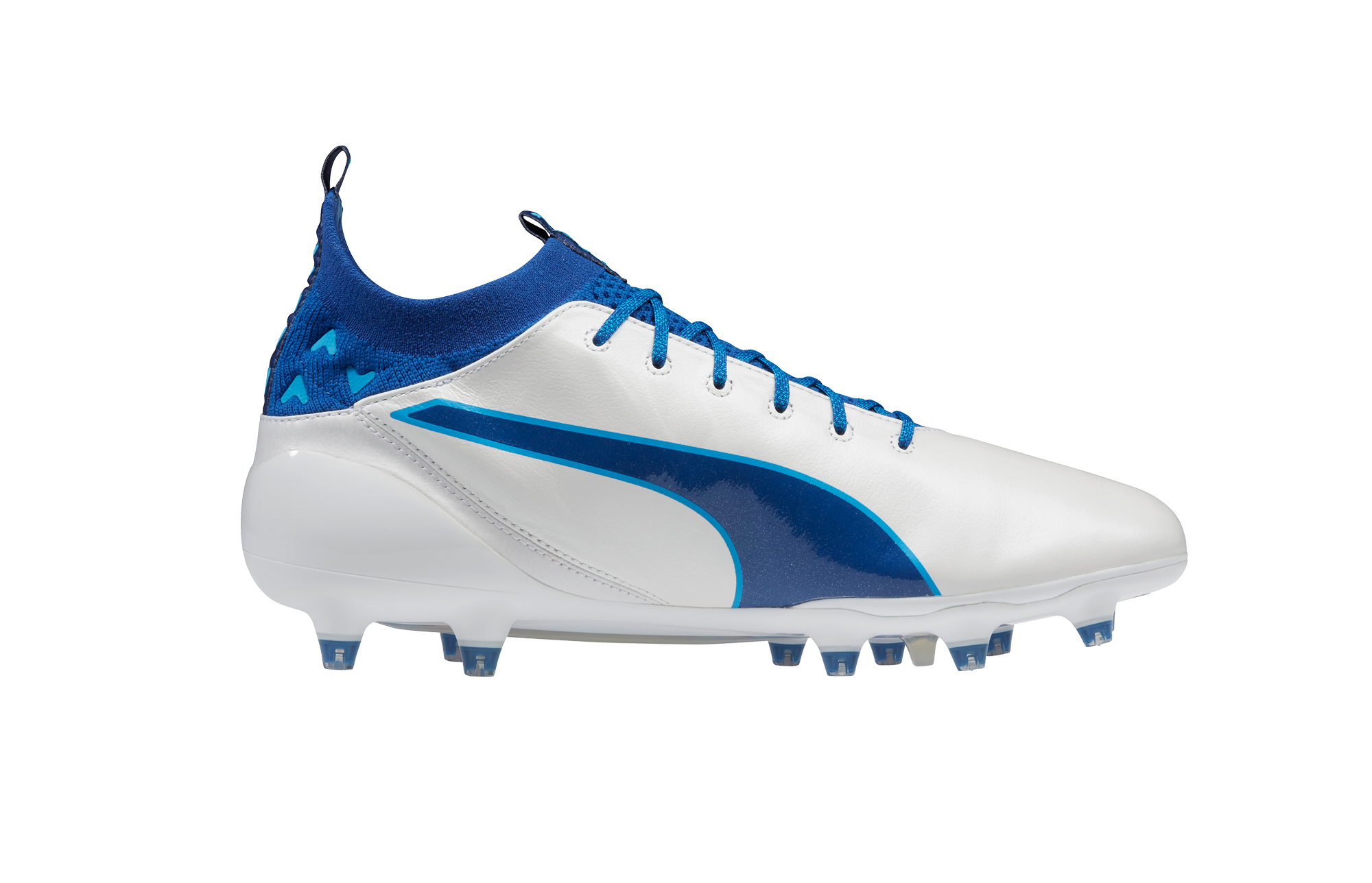 230204 puma%20unveils%20latest%20evotouch%20in%20striking%20new%20colourway environment product%20shot 2 65b4cf original 1479462758