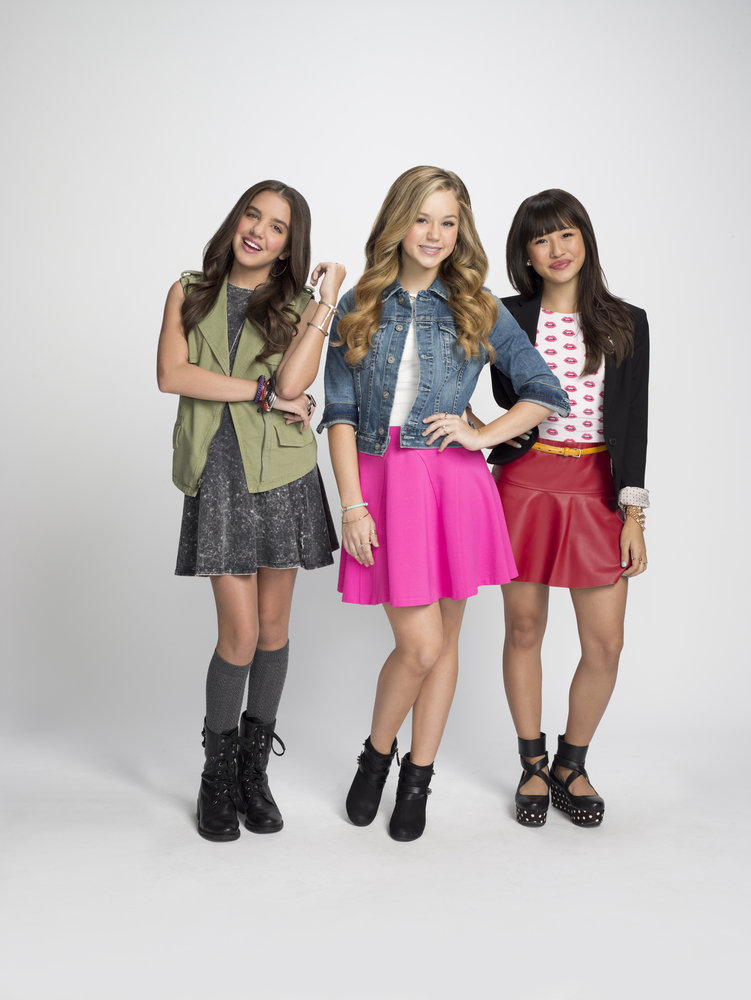 158446 bella%20(brec%20bassinger,%20center),%20sophie%20(lilimar,%20left),%20and%20pepper%20(haley%20tju)%20in%20bella%20and%20the%20bulldogs%20(credit%20 %20jim%20fiscus%20&%20nickelodeon) 0bd721 large 1425737045