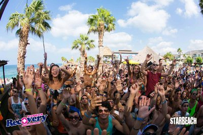 104829 e4e03147 7986 49c5 9cf3 af2ffc385c77 starbeach 2520crowd 2520day medium 1375100856