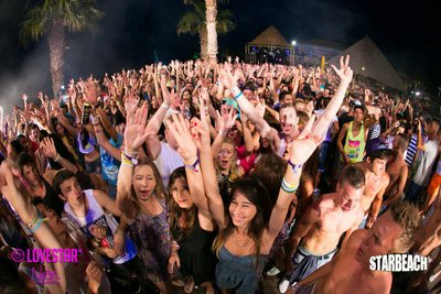 104830 2006beb3 1321 4192 96f8 dfb6159e2e73 starbeach 2520crowd 2520night medium 1375100858