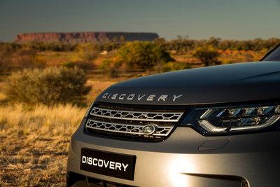258694 08 land rover discovery sleept roadtrain door australische outback f36697 medium 1505898028