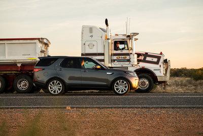 258701 14 land rover discovery sleept roadtrain door australische outback 3d8066 medium 1505898032