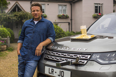 260464 06 land rover discovery als droomkeuken voor topkok jamie oliver f06e9a medium 1507122220