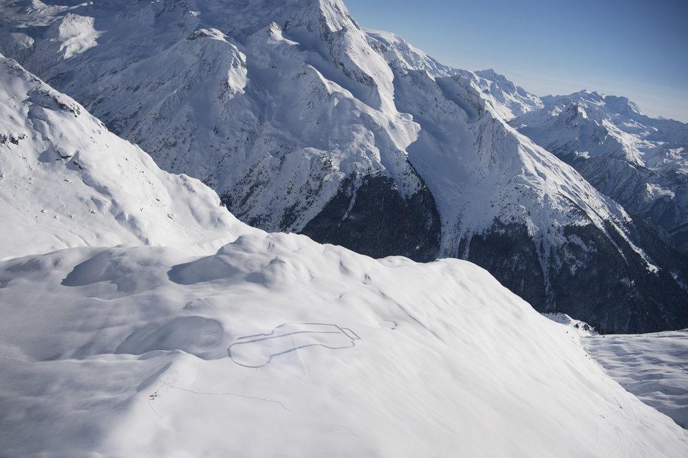 277306 07 land rover defender in de sneeuw 70dc9b large 1523344414