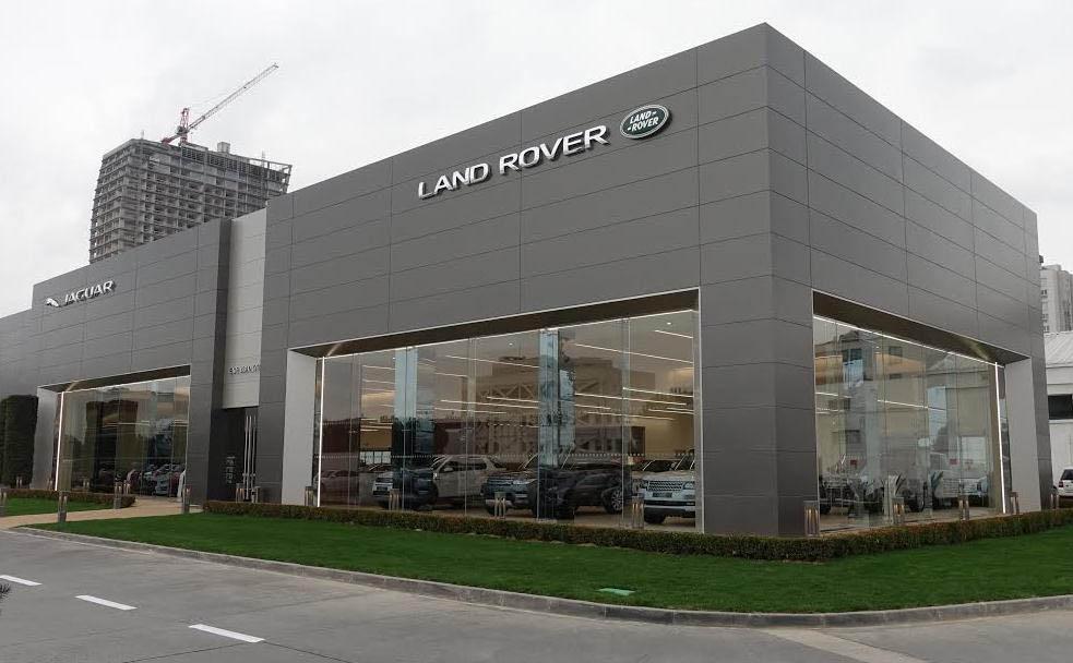 284571 jaguar land rover past haar dealernetwerk aan in hilversum 518189 original 1530879296