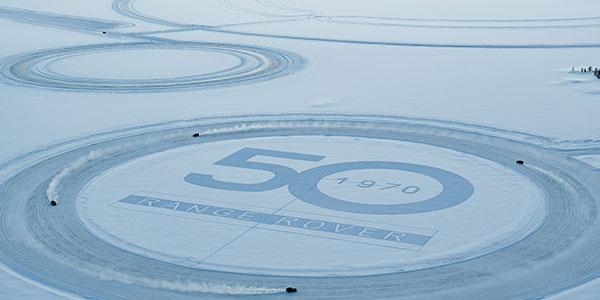 350293 00 land rover en anthony joshua vieren 50 jaar range rover met unieke sneeuwkunst header 7b9615 original 1584457639