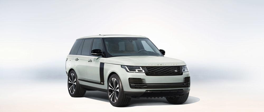 356737 05 land rover viert 50 jarig jubileum van range rover 918808 large 1591966482