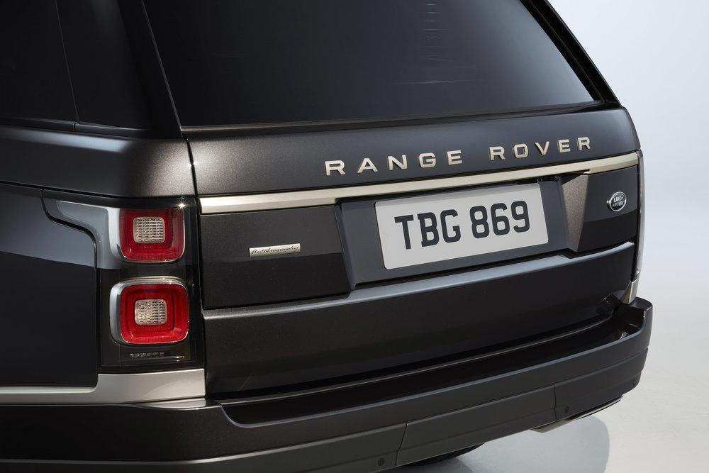 356743 11 land rover viert 50 jarig jubileum van range rover 109343 large 1591966494