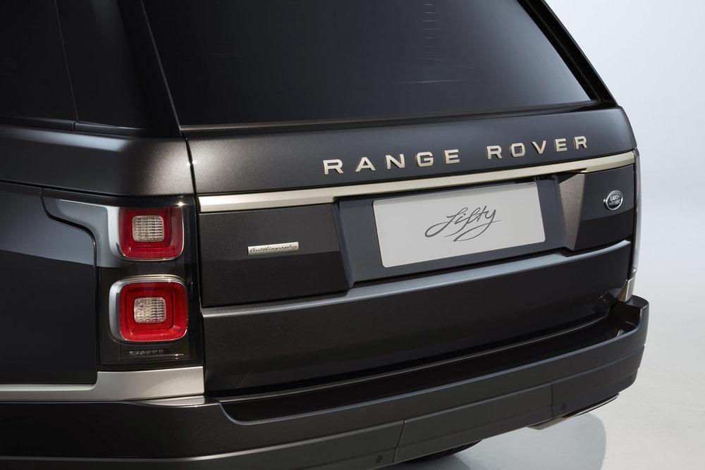 356744 12 land rover viert 50 jarig jubileum van range rover f14807 large 1591966495