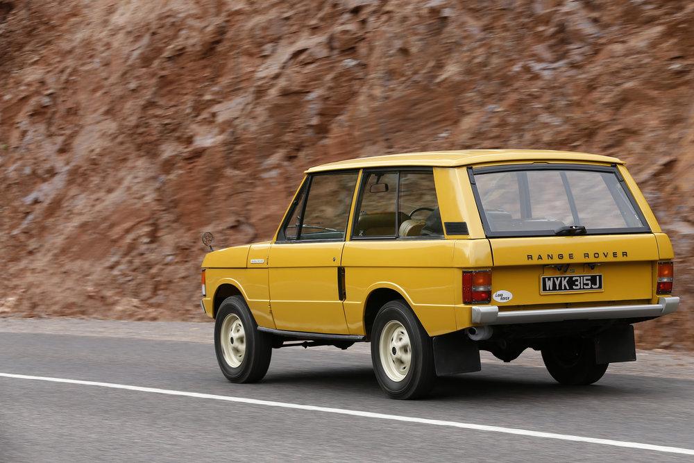 356765 33 land rover viert 50 jarig jubileum van range rover historic 85431a large 1591966808
