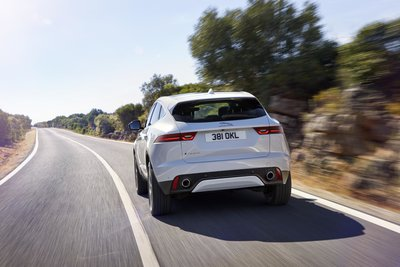 253514 09 jaguar e pace compacte performance suv 79638a medium 1499952250