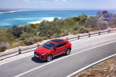 253517 02 jaguar e pace compacte performance suv e65643 medium 1499952258