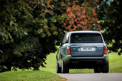 261117 19 range rover ook als plug in hybride bac024 medium 1507561294