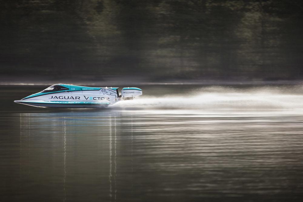 283039 04 jaguar vector racing v20e e85edc large 1528979271