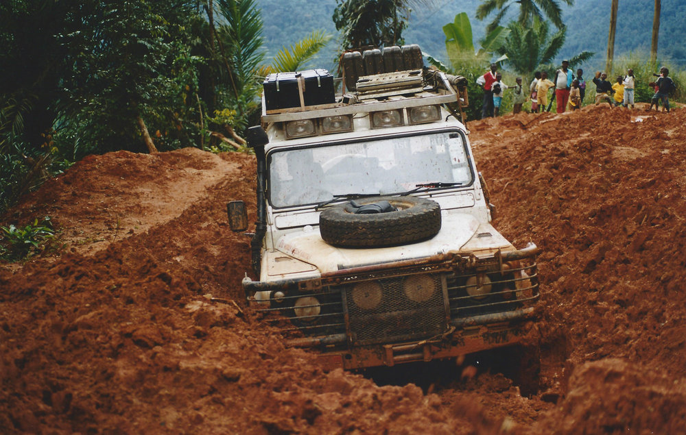 306311 02 land rover drive against malaria 344f0a large 1552487152