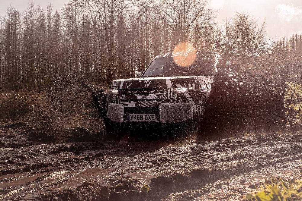 310715 land rover defender 06 c57499 large 1556610164