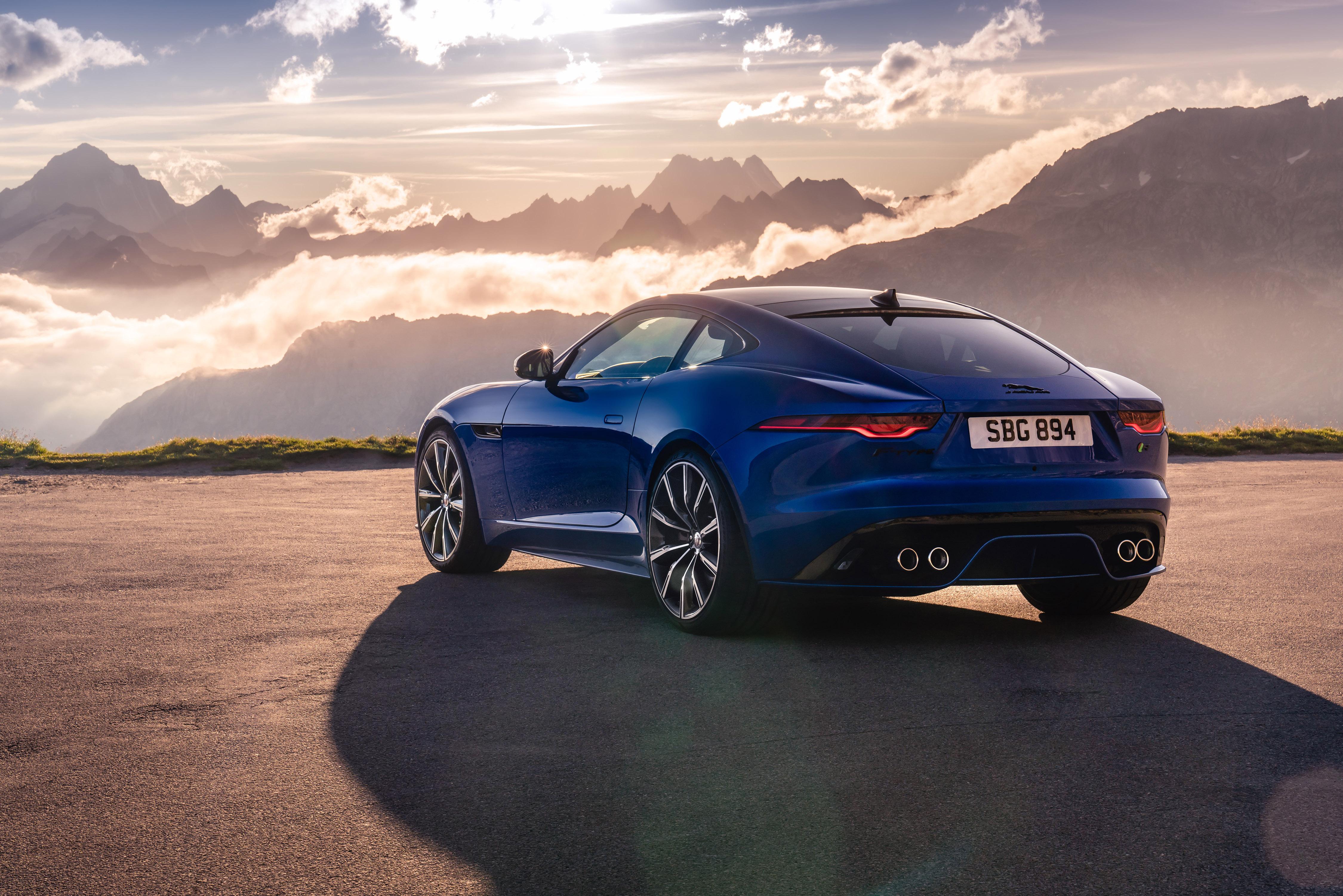 339252 10 jag f type r 21my velocity blue reveal switzerland 021219 02 d6baf8 original 1574864956