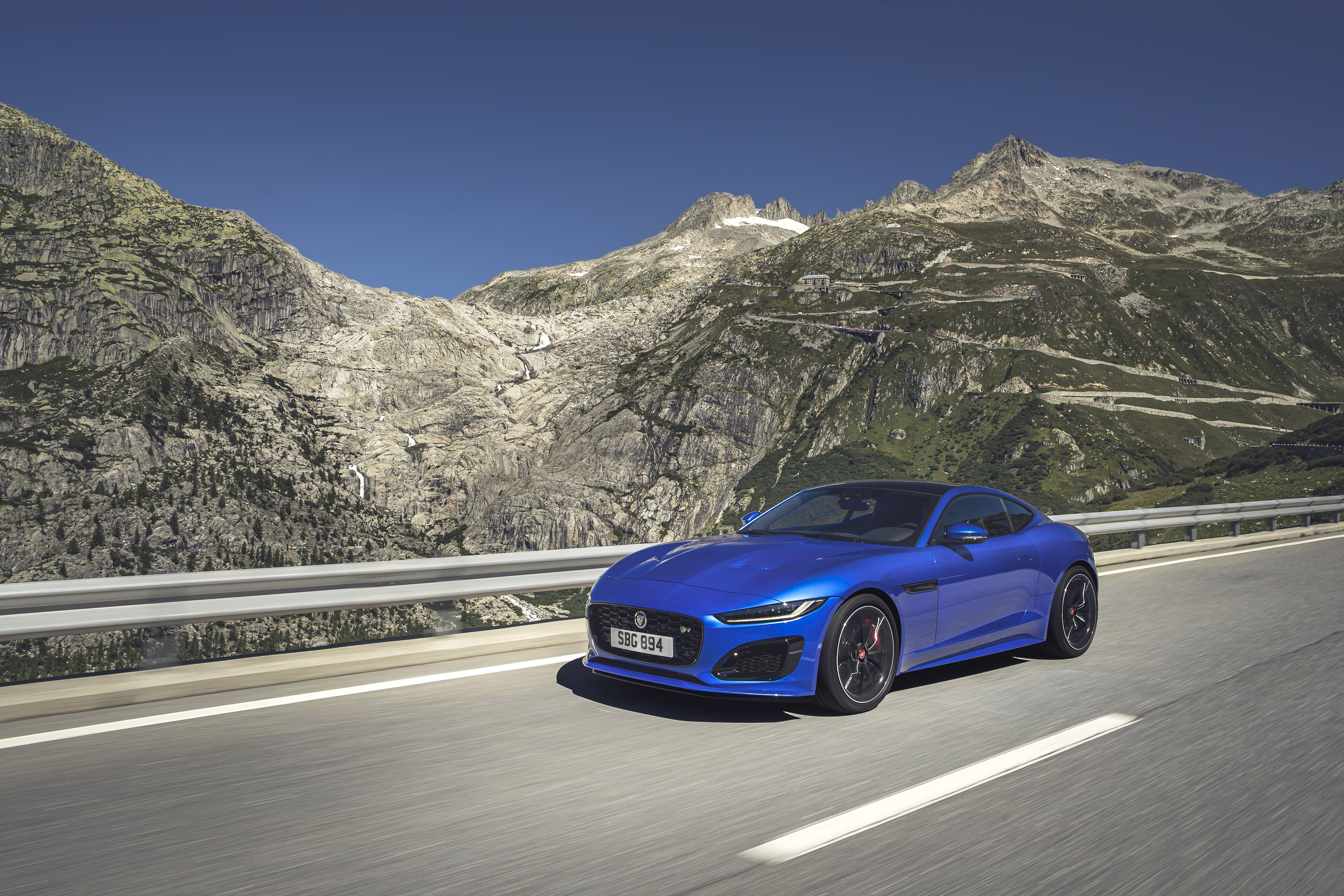 339255 07 jag f type r 21my velocity blue reveal switzerland 021219 05 28f35a original 1574864957