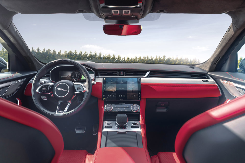 364505 jag f pace 21my 01 location interior 16 150920 f330ee large 1600091355