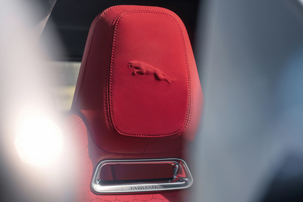 364510 jag f pace 21my 08 location interior 17 detail 150920 958300 large 1600091355