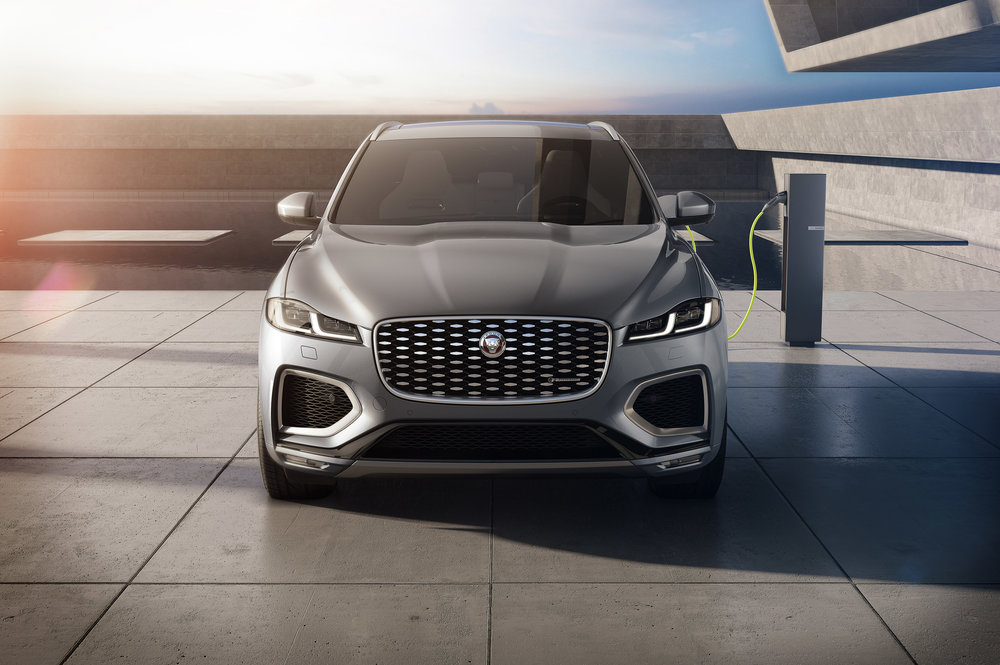 364521 jag f pace 21my 15 studio exterior front phev 150920 10096a large 1600091384