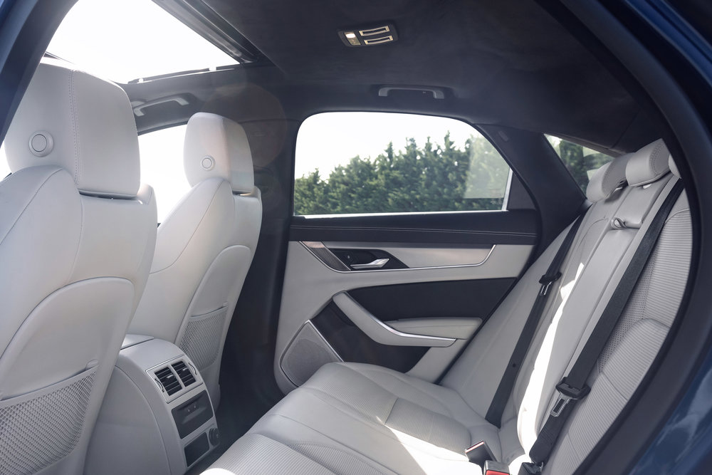 366807 jag xf 21my interior 061020 008 4fc3a5 large 1601908035