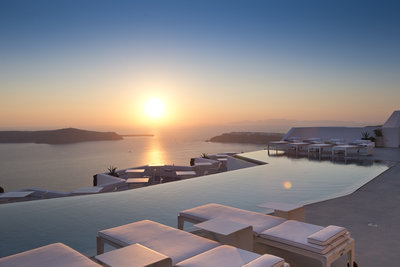 225220 grace%20santorini%20 %20sunset%20%28credits%20grace%20santorini%29 4740d2 medium 1474372767