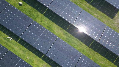 341623 vandebron zonnepanelen drone 0a0efb medium 1578475741