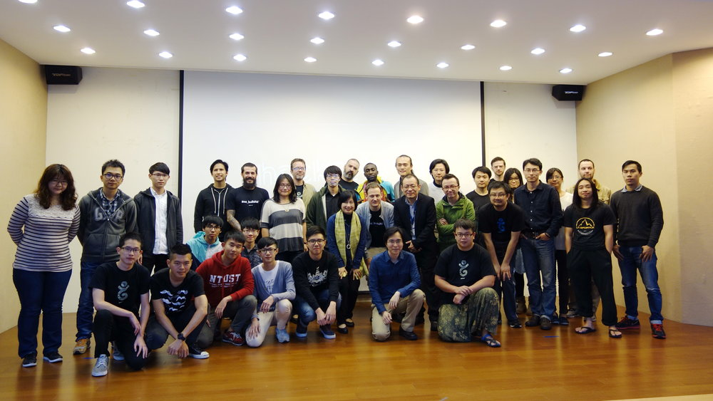 190077 hackathon taipei 001 cd3a9c large 1449669085