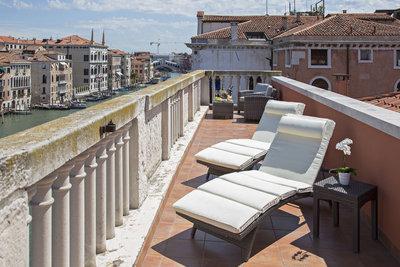 136259 d5d58337 ec0c 4196 9d57 f1b283a0fb74 nh palazzo barocci venezia suite terrace 2 medium 1405615570