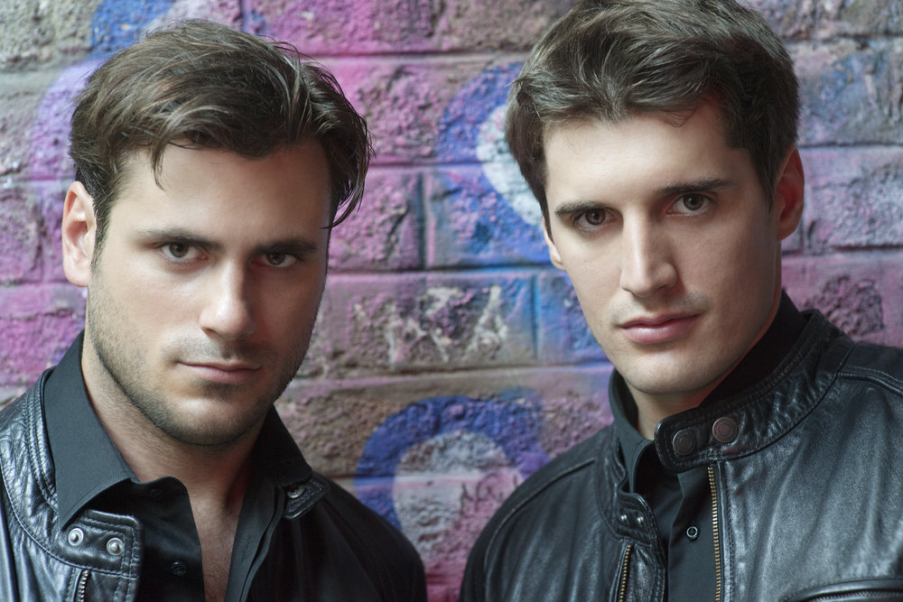 182338 2cellos dsc3921 by%20stephan%20lupino 61596040 44fa8b large 1444137262