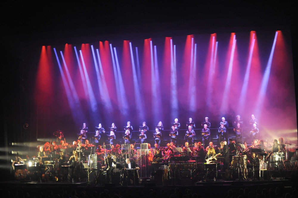 185406 hans zimmer apollo 30live 3defee large 1446473198