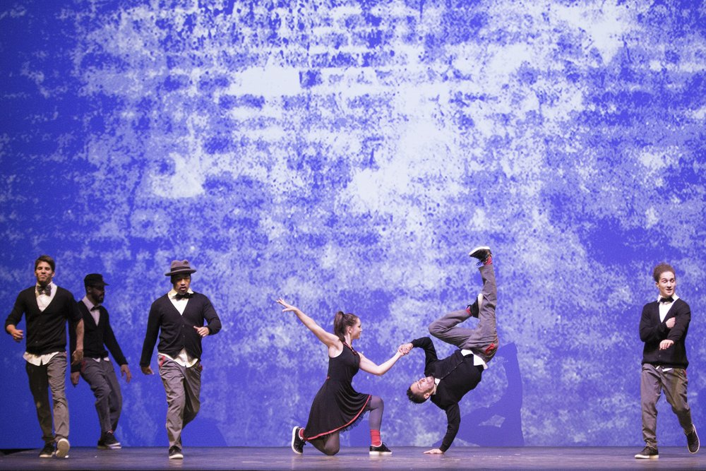 306385 05 flyingsteps flyingbach foto redbullcontentpool 54f8aa large 1552563402