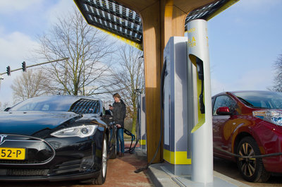 236268 201701%20fastned%20 12%20bewerkt bbf3ae medium 1486642515