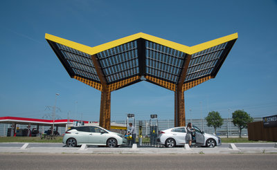 286995 fastned fast%20charging%20station de watering ioniq leaf people 6ab2a8 medium 1533559221