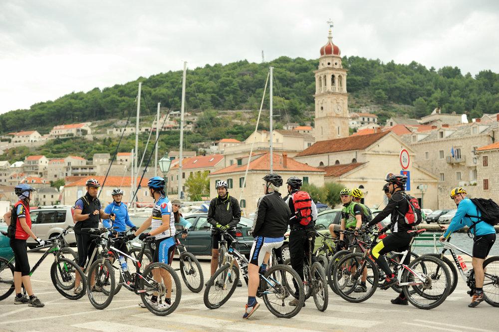 206499 postira na bracu adria bike maraton optimized for print vedran metelko 988181 large 1462190254