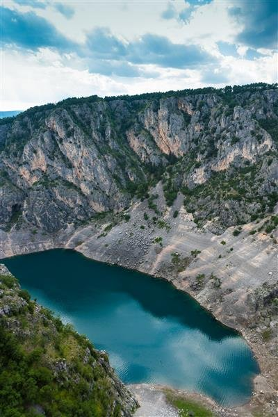 218022 3 blue%20lake imotski goran%20santar e3895c large 1468585360