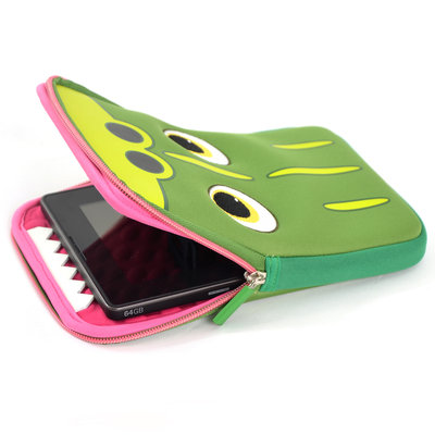 180602 tabzoo%20crocodile%20tablet%20sleeve%202 564d5a medium 1443441003