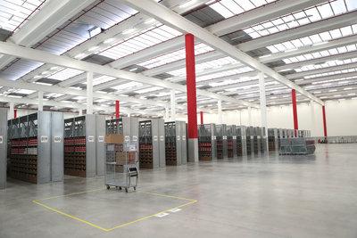 190675 151215 stradella fulfillment center inside 5b7c70 medium 1450260686