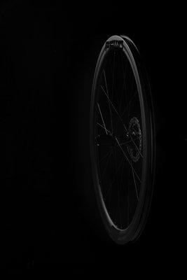 FFWD_TYRO_dark_rear_S1