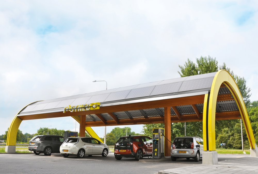 208799 fastned%20snellaadstation rgb f700cb large 1463477351
